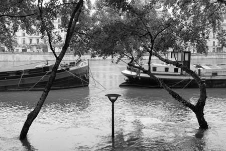 Street & Water Light · Quais de Seine · Paris · 2016