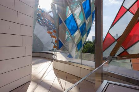 Urban Shards · Daniel Buren, L'Observatoire de la lumière · Fondation Louis Vuitton · 2016